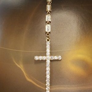 NWT Cross necklace